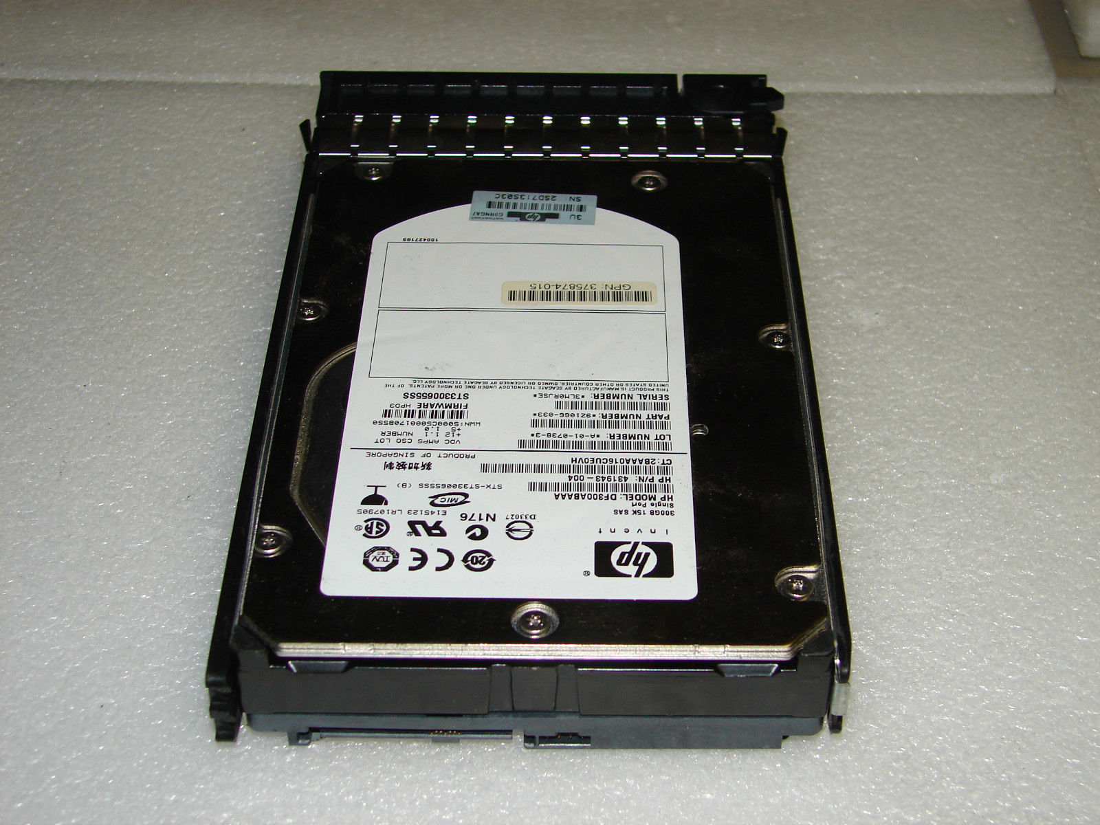 HP-300-GBInternal15000-RPM35-432146-001-431943-004-SAS-Hard-Drive-w-Tray-371178284638-3.jpg