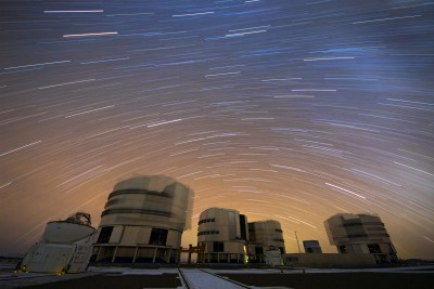 A_Stream_of_Stars_over_Paranal.jpg